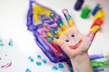 fingerfarben taktile wahrnehmung